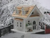Home Bazaar Tranquility House - White/Natural