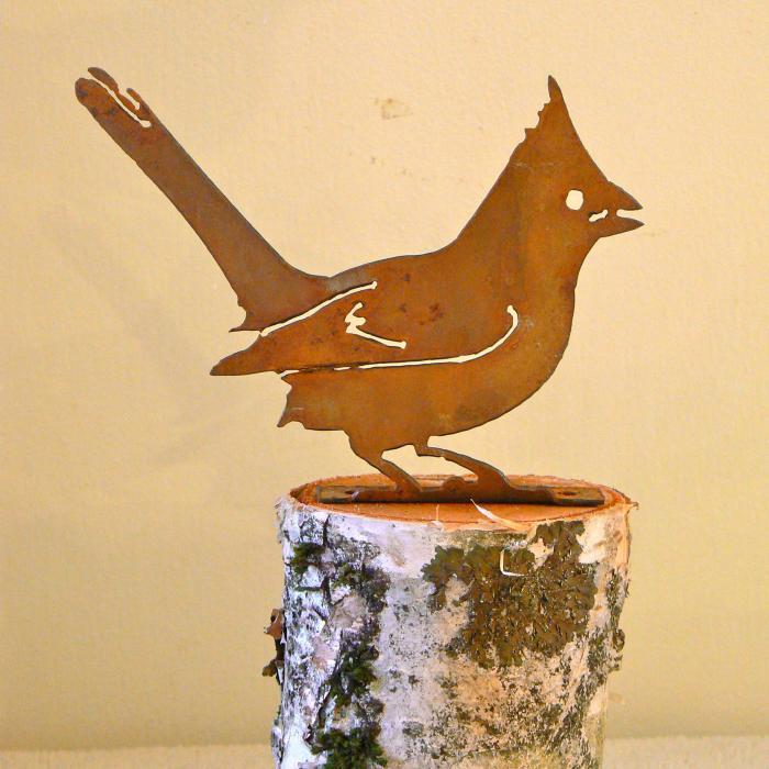 Elegant Garden Design Cardinal Bird Silhouette