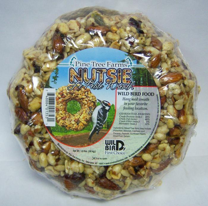 Pine Tree Farms Le Petit Nutsie Wreath 1.5 lbs