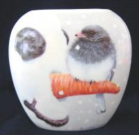 Songbird Essentials Vase Nosey Junco