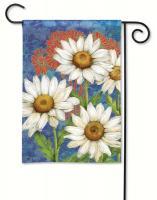 Magnet Works Designer Daisies Garden Flag
