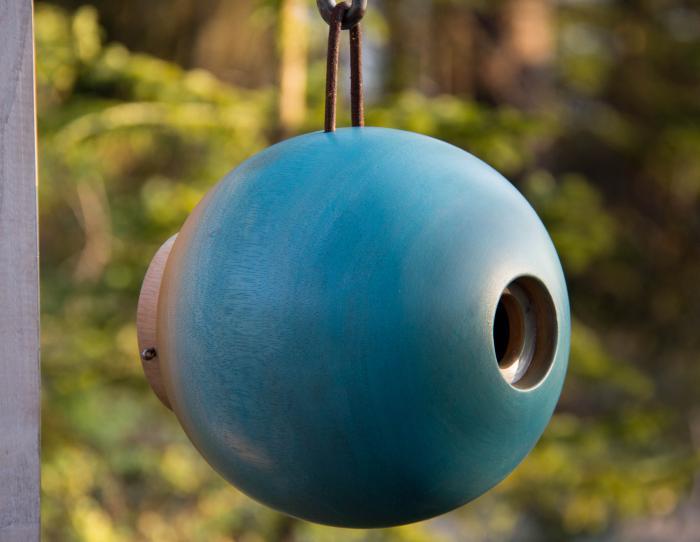 Byer of Maine Globe Blue Birdhouse
