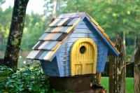 Heartwood Prairie Home Bird House, Blue