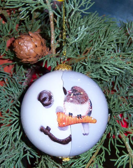 Songbird Essentials Ornament, Nosey Junco