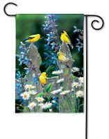 Magnet Works Finch Fencepost Garden Flag