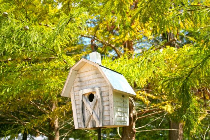 Heartwood Rock City Bird House, White