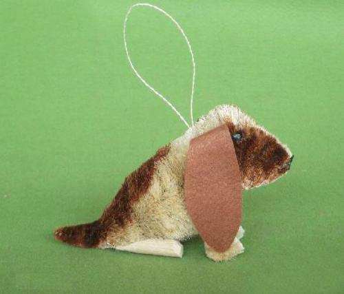 Brushart Dog Basset Ornament